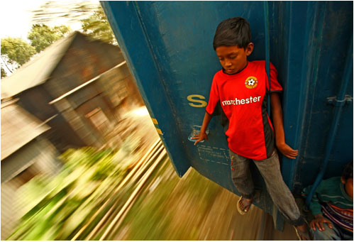GMB Akash - Child on Train