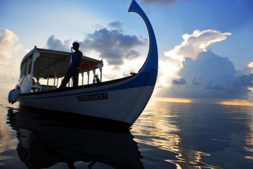 boat in maldives