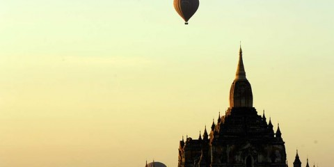 Bagan - Hot Air Balloon over Temple