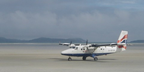 Plane_arrival_at_Barra_Airport