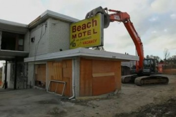 beach-motel-demolished-toronto