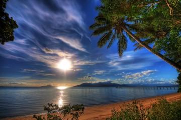 beach-queensland-australia-4714207610