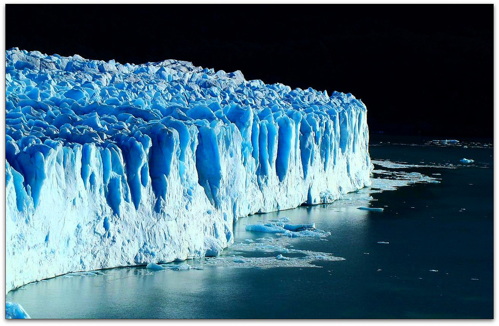 Bleue Glacier : Photo of the moment blue monolith argentina