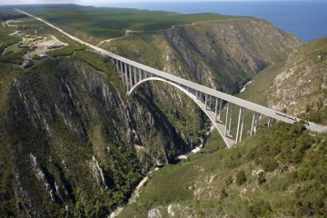 Bungee Jump Bloukrans Bridge, South Africa