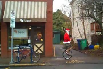 christmas-portland-oregon-bagpipe-santa