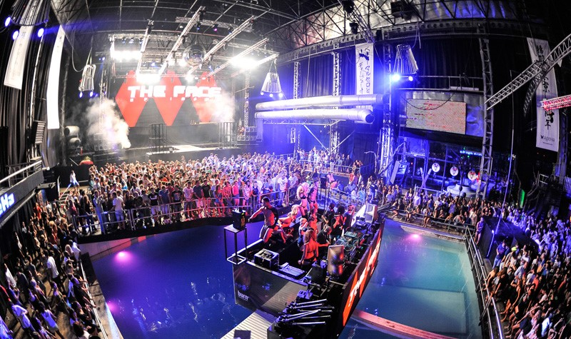 Image gallery ibiza spain clubs for Dance floor synonym