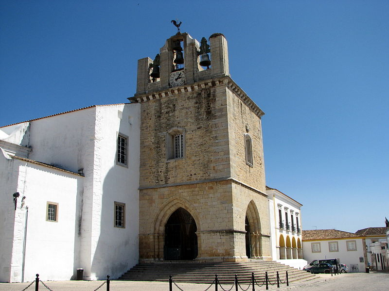 Faro Cathedral is a popular tourist spot