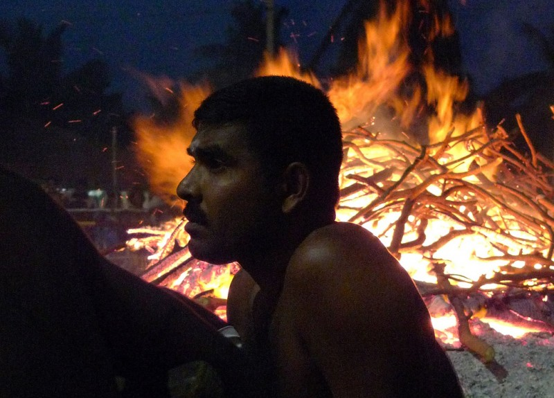Udappu Firewalking, Sri Lanka