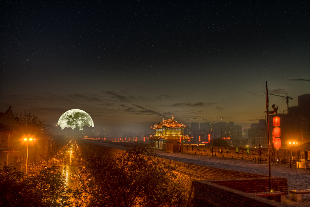 Photo of the Moment: Full Moon Over Xi'an, China - Vagabondish