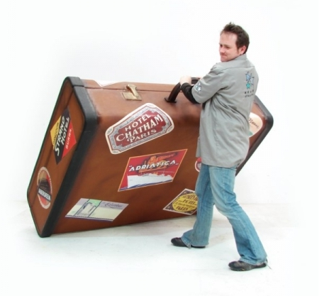 giant-luggage-suitcase