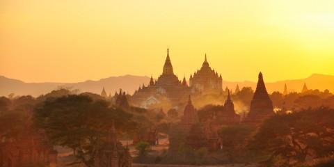 Hazy sunset in Burma (Myanmar)
