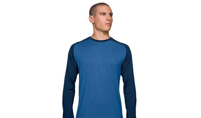 Icebreaker 39 s u turn lightweight travel shirt is damn near for Merino wool shirts for travel