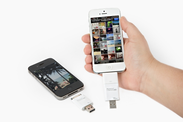 iflash drive iphone the iflash a usb drive for your phone and mac pc 10800
