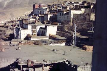 Jarkot Muktinath (view to monastery)