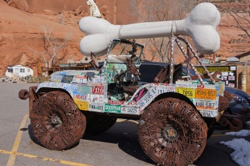 Lyle Nichols Jeep Sculpture at Hole 'n the Rock, Utah