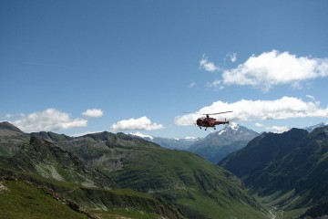mountain-rescue-france-3811709075