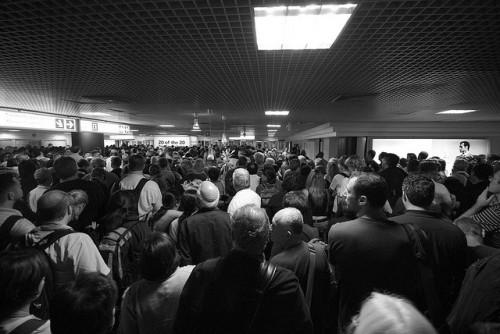 Ridiculous Wait Times Killing the US Tourist Industry — Vagabondish