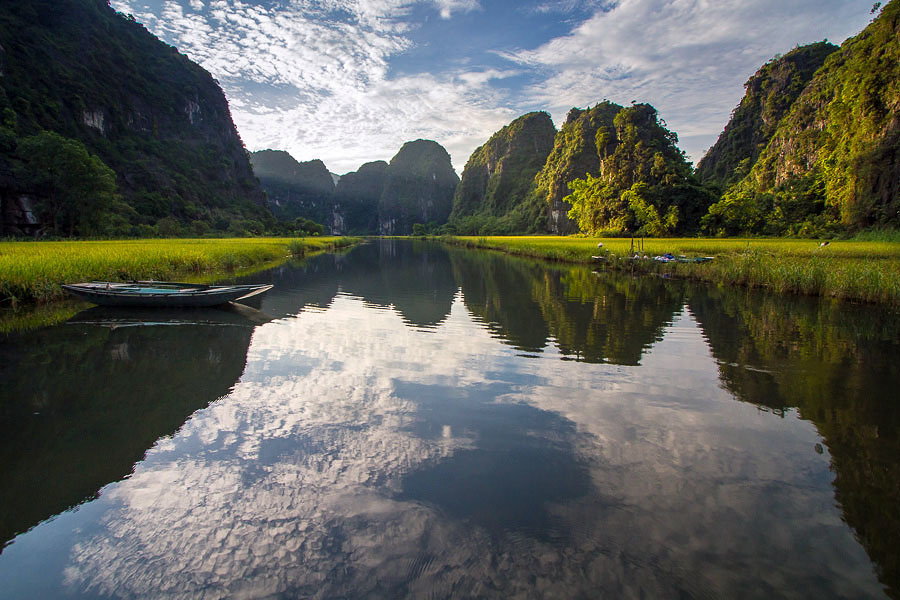 Photo of the Moment: All's Quiet in Tam Coc Rice Valley, Vietnam — Vagabondish