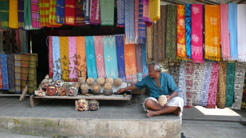 Sarong Dealer, Bali