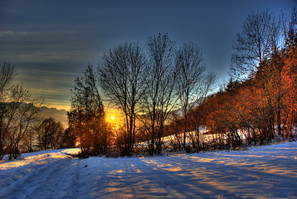 Photo of the Moment: A Snowy Sunset in Binii, Switzerland ...