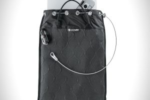 Pacsafe Travelsafe 12L portable travel safe